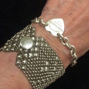 Jewelry - ☣️Exquisite, fluid, intricate bracelet☣️
